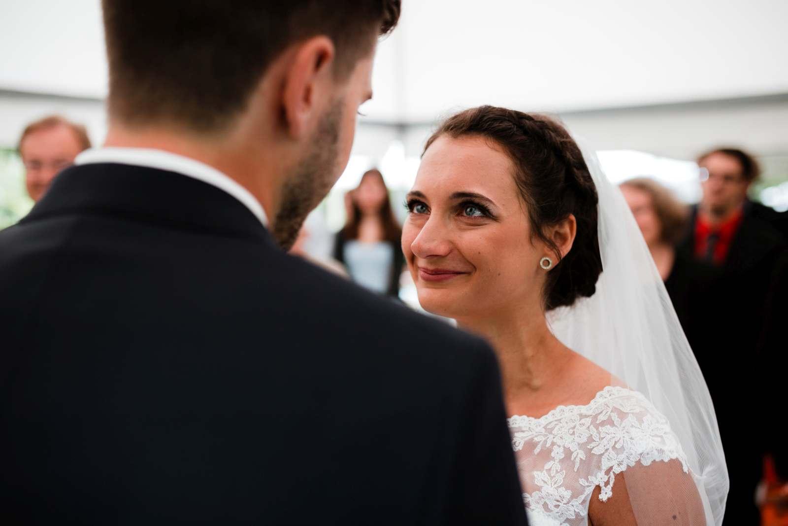 Hochzeitsfotograf Monzernheim freie Trauung von Sarah