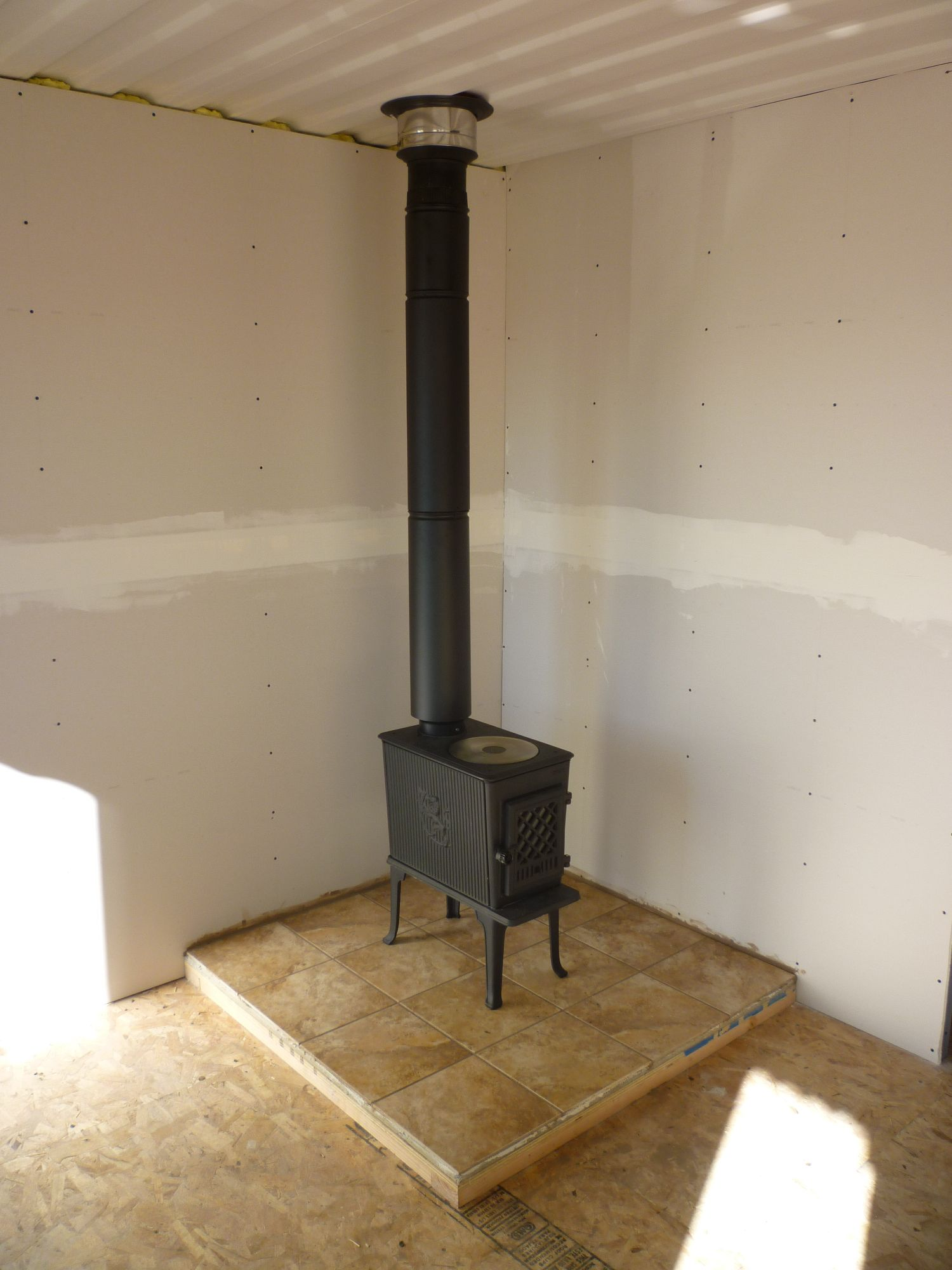 Stove Chimney: Installing Wood Stove Chimney Through Roof