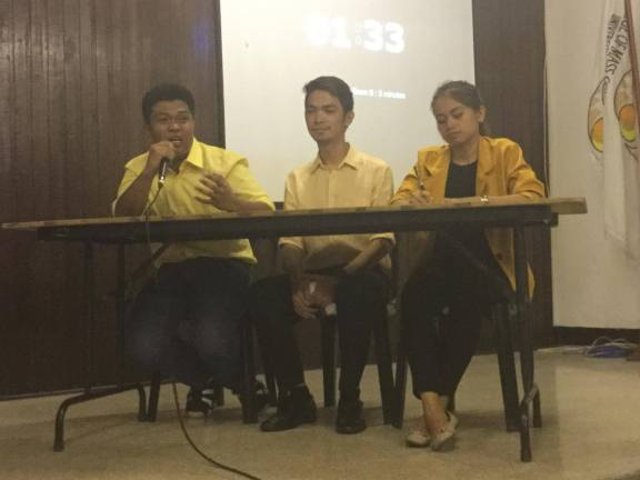 CMC ISA debaters on student's right to organize: Arjay Torno, John Benedict Baquilod, and Queencee Quitalig. Photo by Anton Onato.