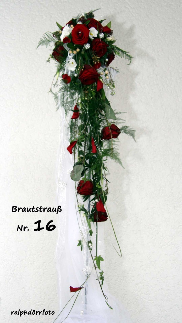 Brautstrau  Tinis Blumenladen  Rennerod