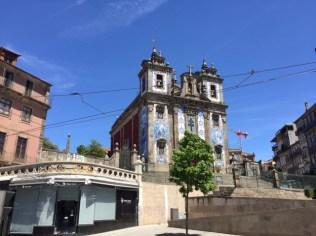 Azulejos an einer Kirche in Porto