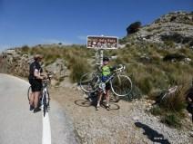 Pass erreicht - anstatt 800 Meter war dieser aber glücklicherweise nur knapp 700 Meter hoch - freudige Überraschung :)