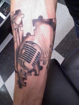 Tatuagens com o tema música (5)