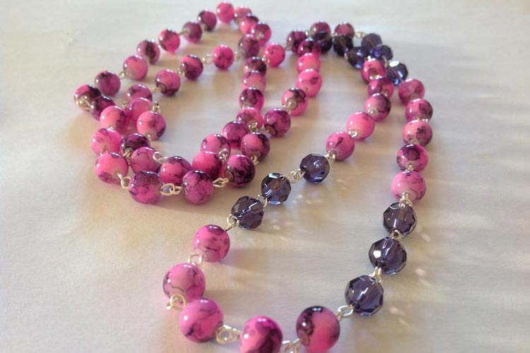 Pink Beaded Necklace by Elegatisima