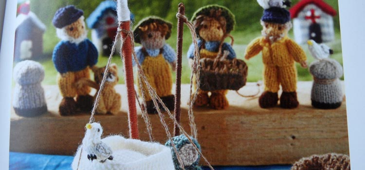Mini Knitted Ocean - fishermen