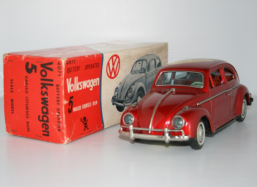 Bandai 60's Volkswagen Beetle in box, 5 varied courses, Battery Operated 10.5 inches (27 cm) original tin toy car