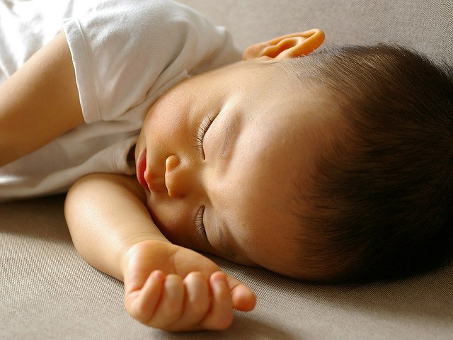 How much sleep does a 6-month-old need?