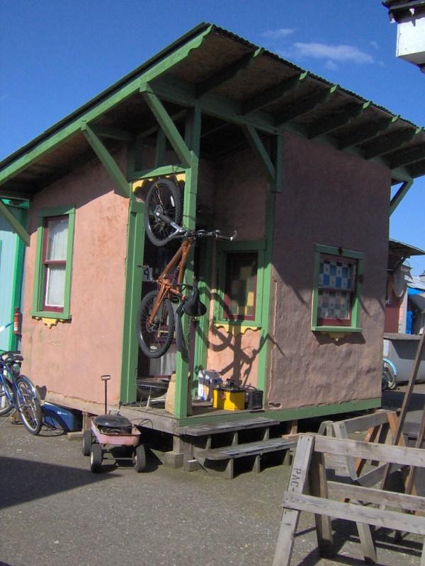 Dignity Village cabin