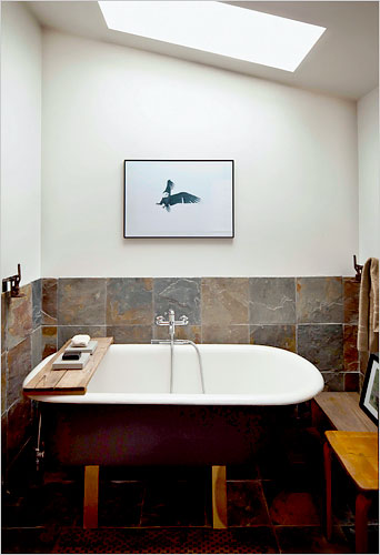 Michelle de la Vega tiny house tub