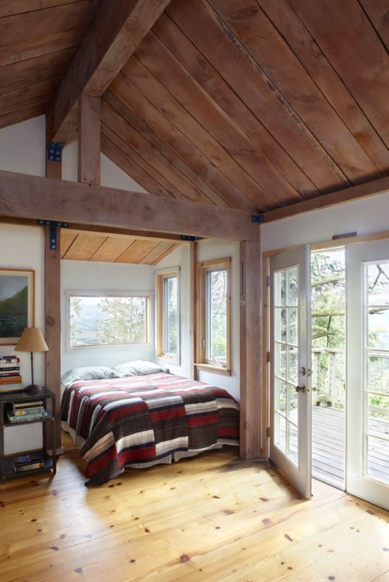 One Tree House - Bed Alcove