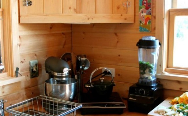 Moschata Rolling Bungalow Tiny House Design