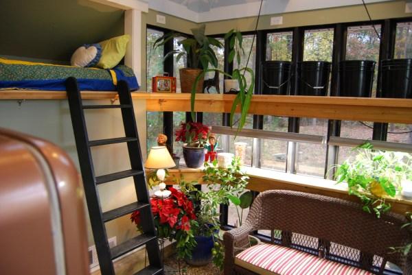 Jeffs Cabin Greenhouse - Interior Bunk