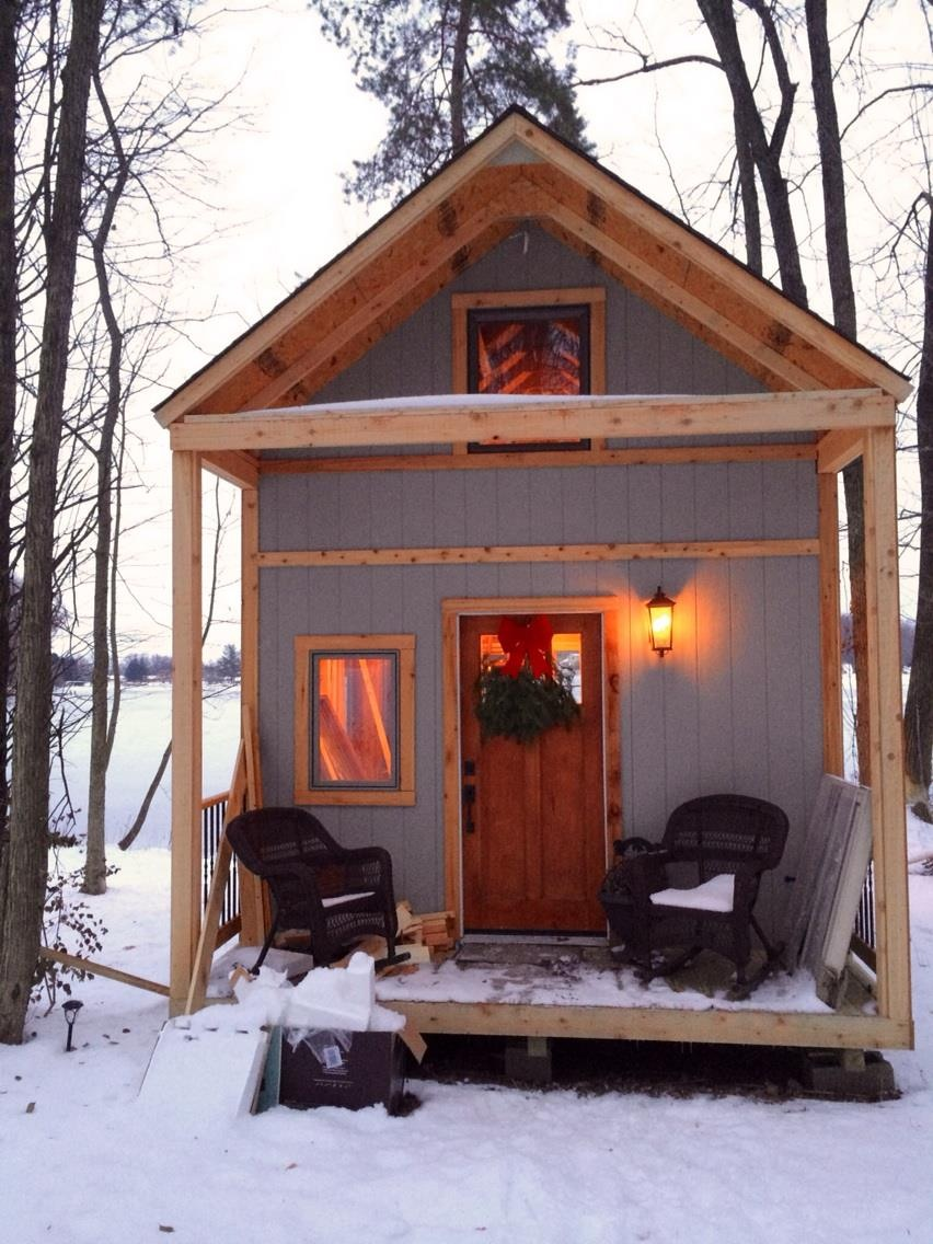 Single mom builds off grid lakeside cabin near columbus ohio for Small off grid home plans