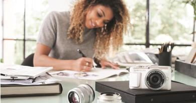 Le nouvel Olympus PEN E-PL10 combine esthétisme et technologie pour propulser votre photographie au plus haut niveau