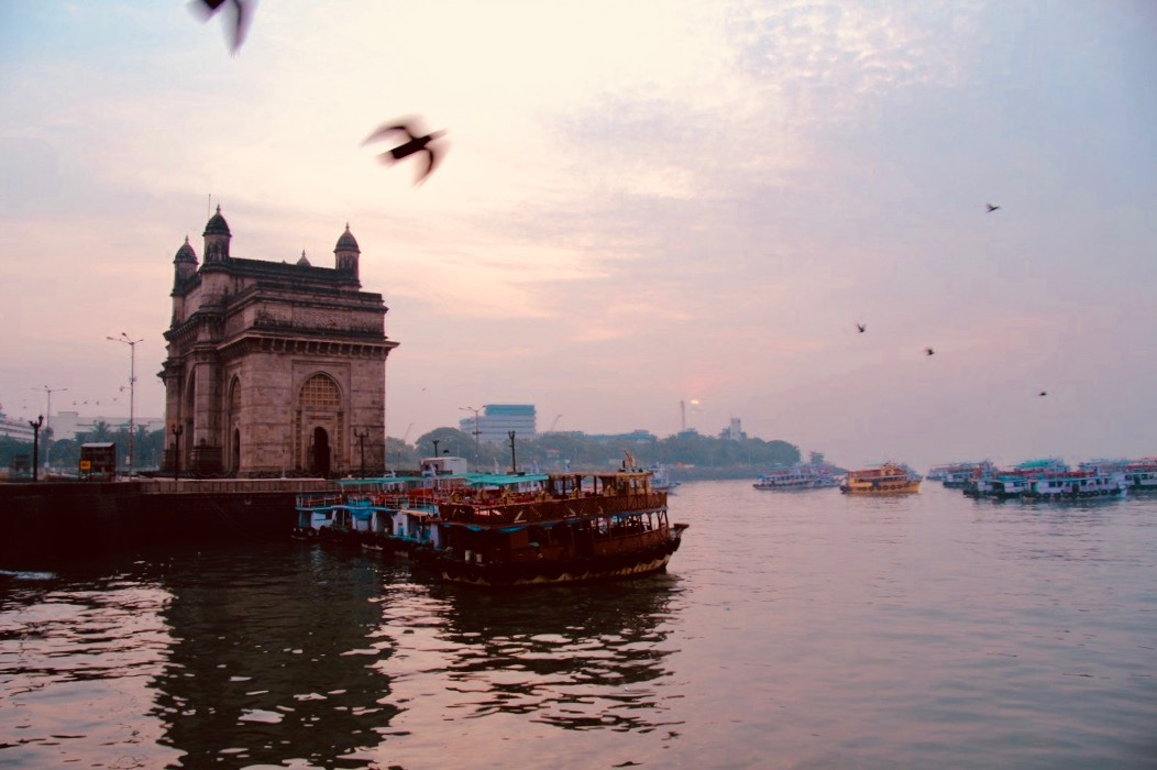 gateway of india at dawn