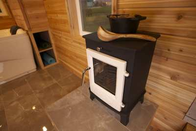Dwarf 4kw providing dry sauna heat.