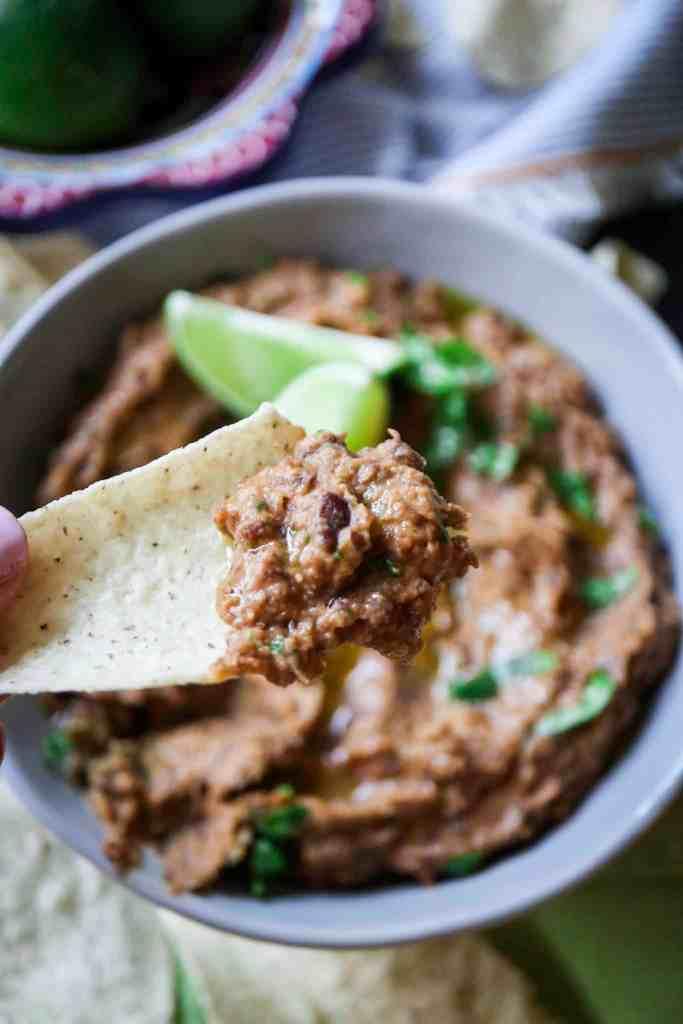 5 minute black bean chipotle dip