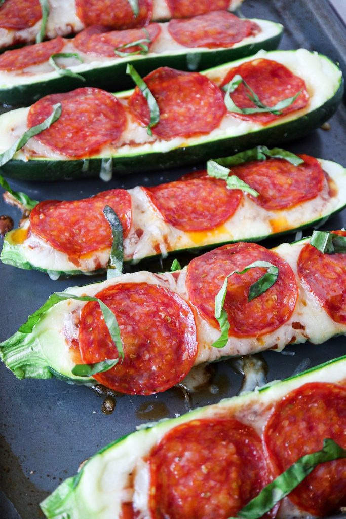 5 ingredient pepperoni pizza zucchini boats  tipps in the