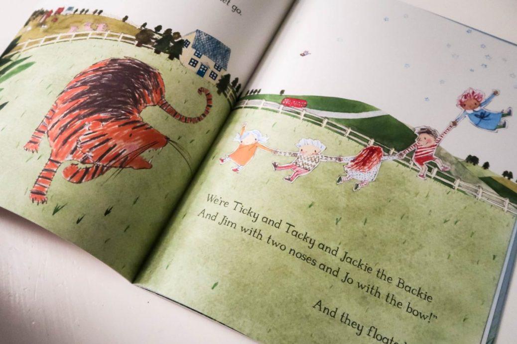 Indoor fun for kids - read