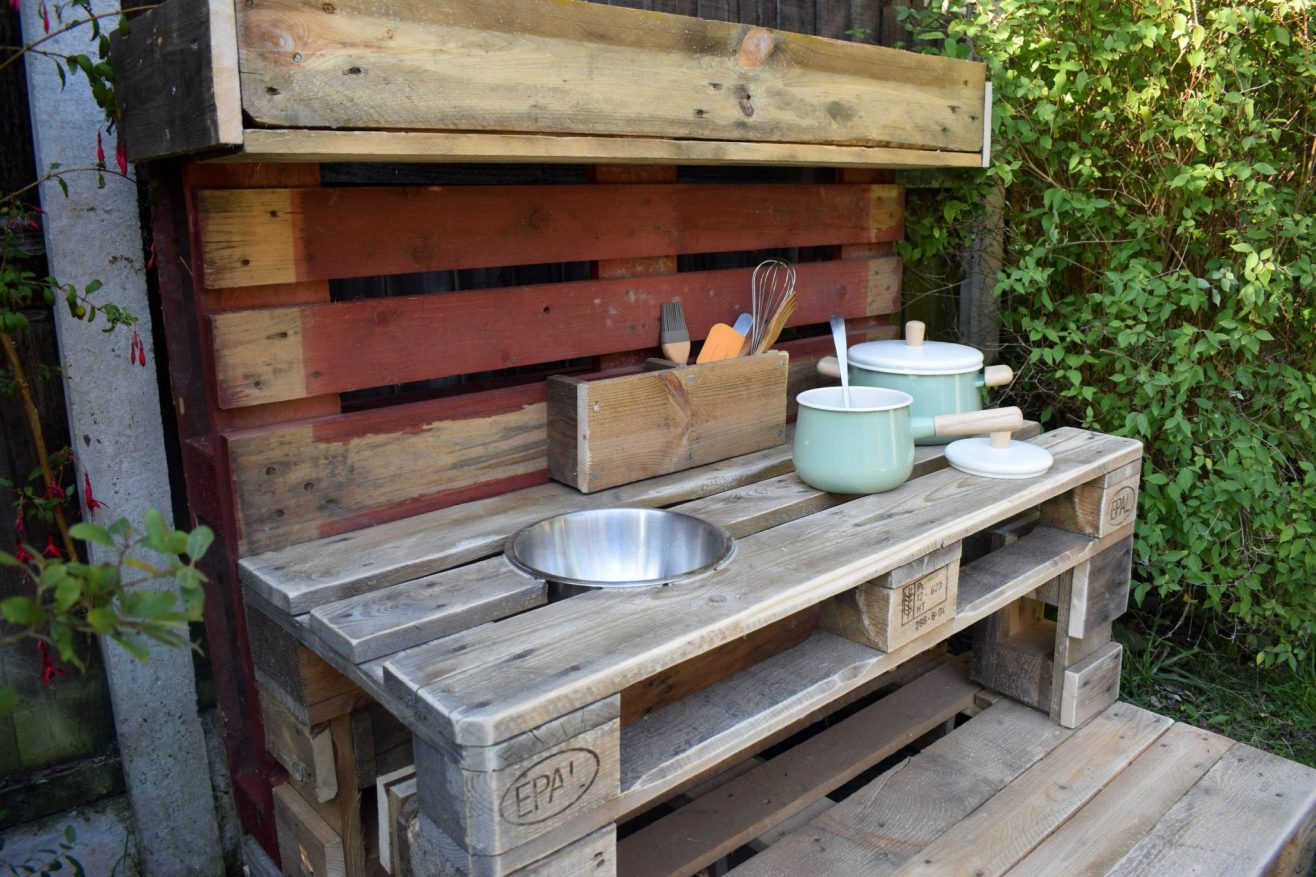 How to make your garden family friendly - mud kitchen