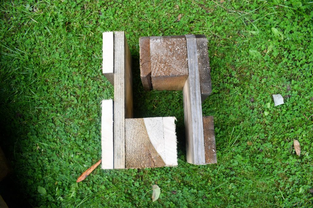 How To Make a Mud Kitchen - legs close up