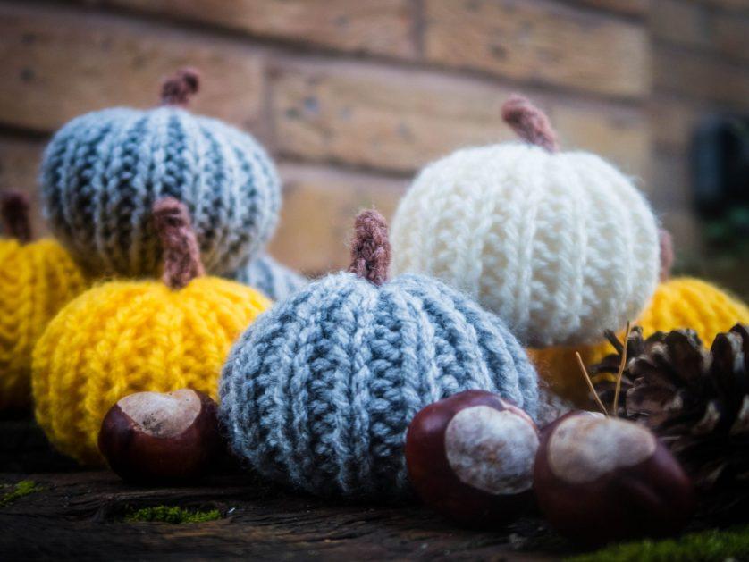 Knitted Halloween Pumpkin – free pattern