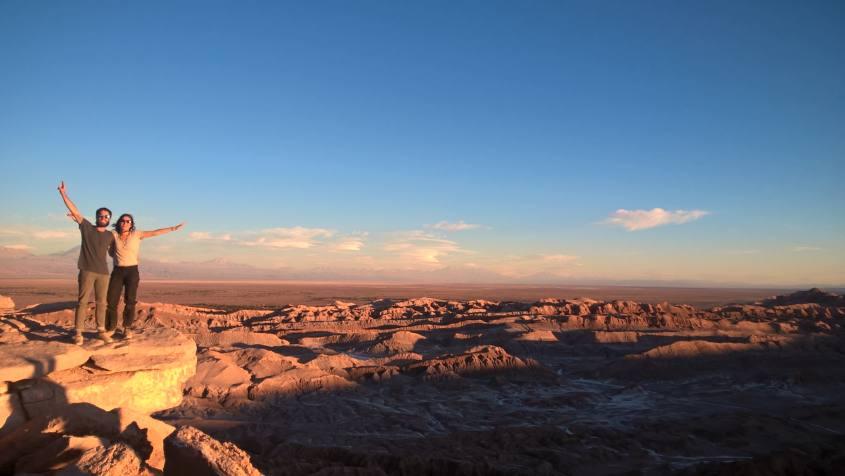 Tramonto sulla pietra del Coyote nel deserto di Atacama in Cile