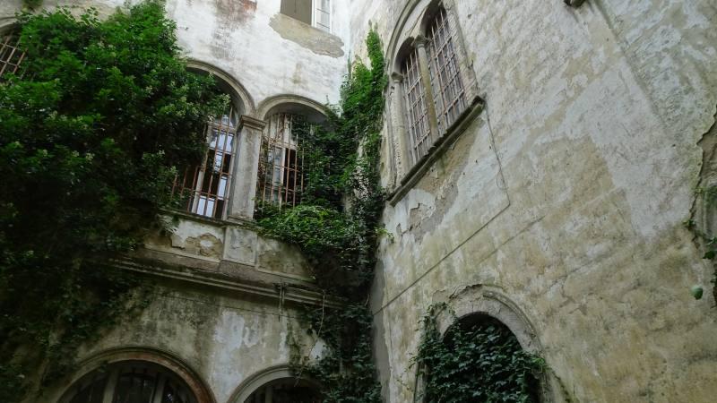 Esterno del Padiglione Charcot nell'ex manicomio di Volterra