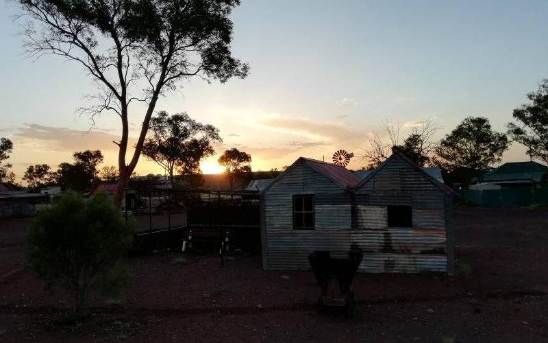 Tramonto alla Ghost Town di Gwalia a Leonora in Western Australia