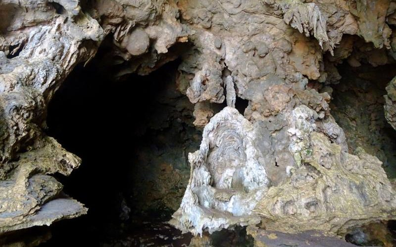 Interno caverna calcarea gigante trekking Ravine des Casoars su Kangaroo Islan