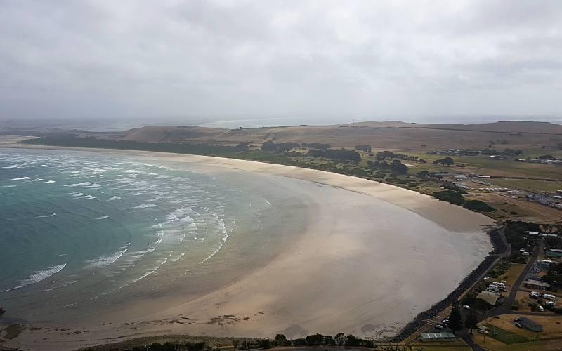 """Panorama su Stanley dalla cima del """"The Nut"""": il """"Tatlows Beach Lookout"""""""