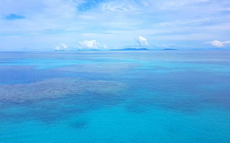La Grande Barriera Corallina di Airlie Beach in Australia vista da una barca