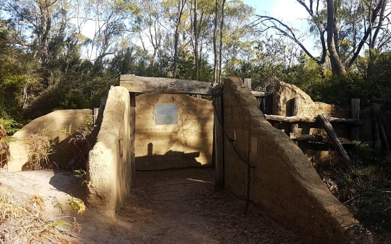 """Entrata alla """"Cole Mine Site"""", l'ex miniera di carbone all'interno della vecchia colonia penale nella Tasman Peninsula"""