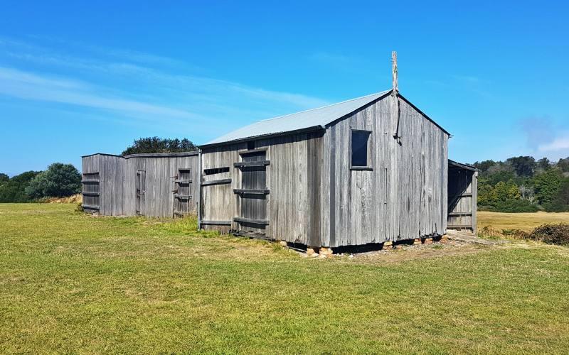 """Edificio storico """"Head Quarter"""", l'edificio in legno più antico d'Australia, dentro l'ex colonia penale nella Tasman Peninsula"""