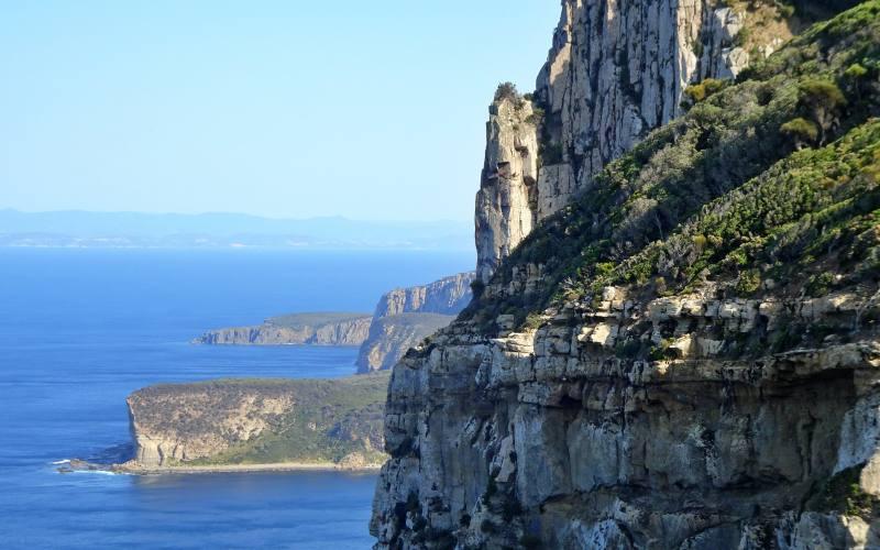Punto panoramico durante il percorso Cape Raoul Track nella Tasman Peninsula in Tasmania