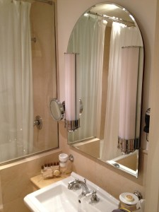 Grand Hotel Savoia Room Genoa Italy (Room 318 Bathroom)