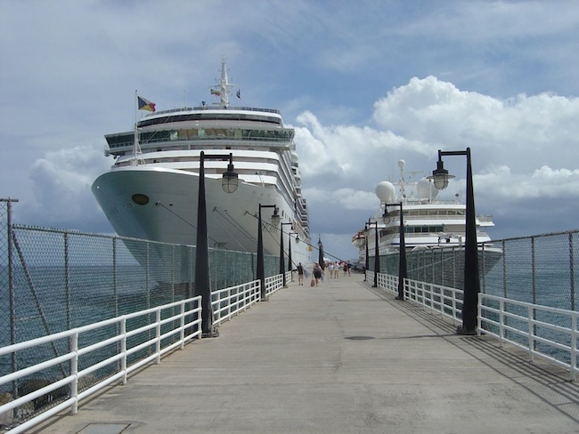 Cruise ships in St Kitts