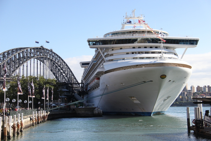 Princess Cruises Diamond Princess Sydney Harbour
