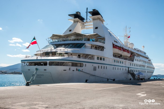 Windstar Star Breeze in Sarana Albania