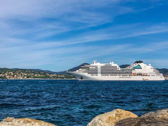 Seabourn Cruises Encore. Seabourn Cruises need-to-knows https://www.tipsfortravellers.com/seabourn-cruises-tips-things-you-need-to-know-before-cruising/