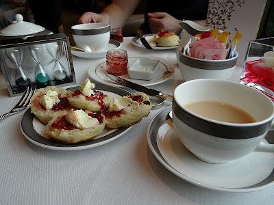 Cunard & Twinings Tea Rituals Afternoon Tea on the Queen Elizabeth: Scones