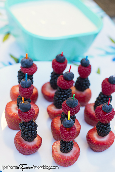 Fresh Berry Fruit Pics with Healthy Fruit Dip