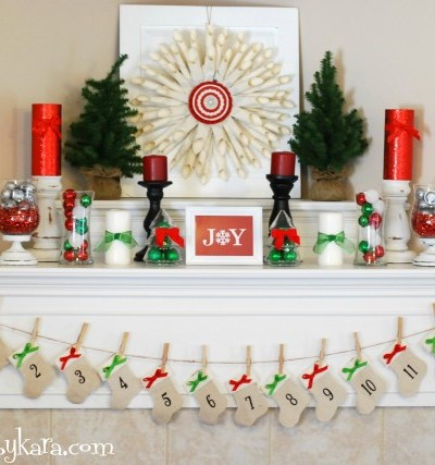 14 Holiday Mantel Decorating Ideas