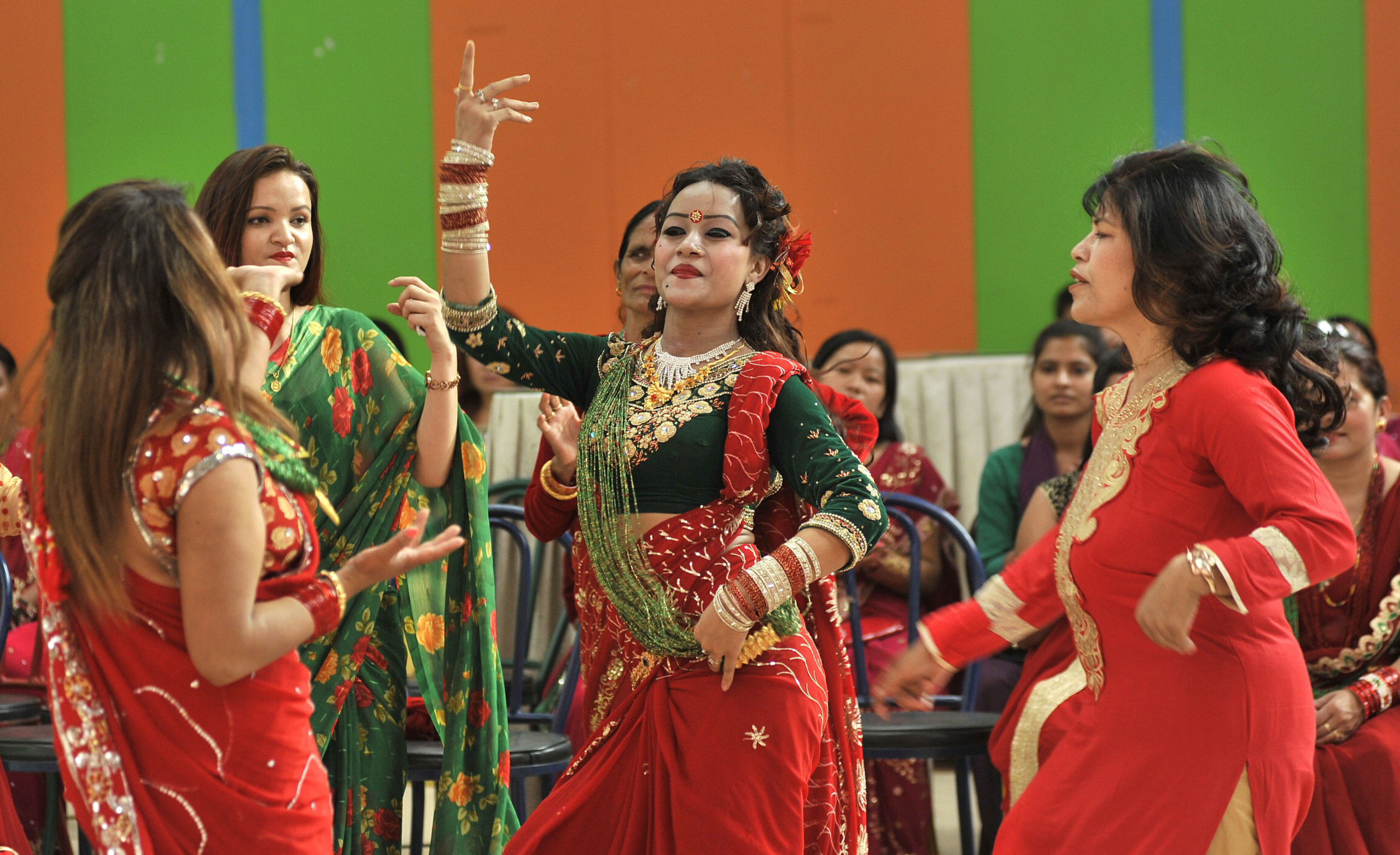 Easy Tips to Dance on this Teej