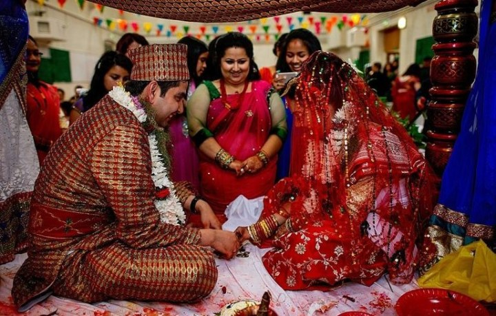 5 Types of Gift That You Can Give at a Nepali Wedding