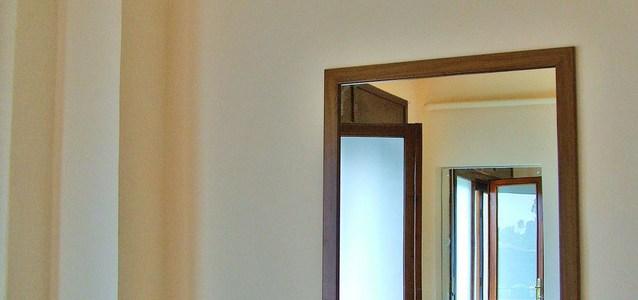 Manfaat Cermin di Rumah
