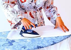 Cara Mudah Menyetrika Pakaian Sendiri Untuk Pemula