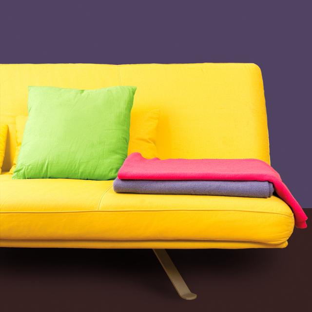 Ilustrasi Sofa tanpa Lengan | Img:freeimages.com