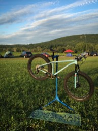 A beautiful setting for an even more beautiful bike: a custom fatbike designed by Dave Wiseman of Naperville, IL (Wiseman Frameworks), which was entered to NAHBS this year and recently acquired by a very happy rider, my friend Jonathan.