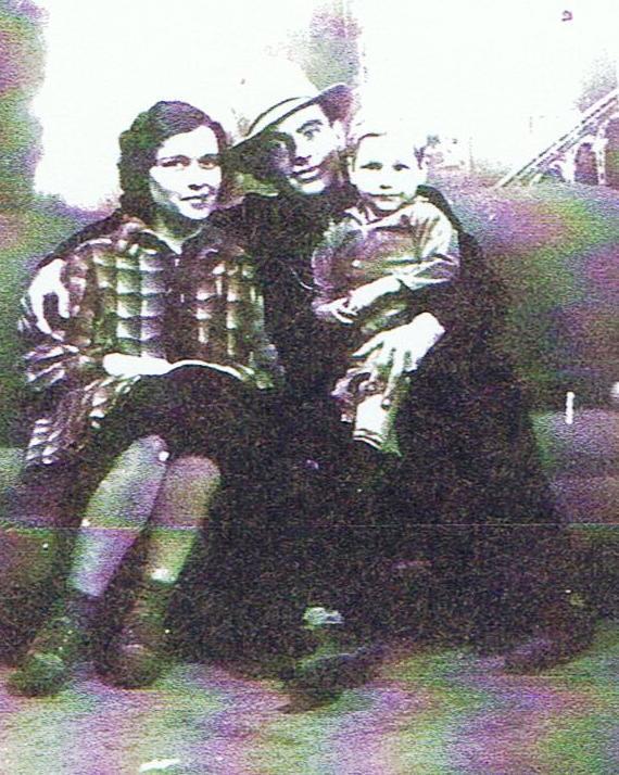 Dora Ellis, Johnny Delaney & their son Travis Delaney